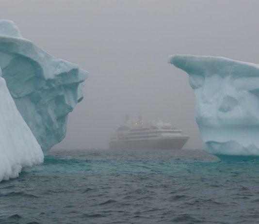 icebergs-tourisme antarctique dangers